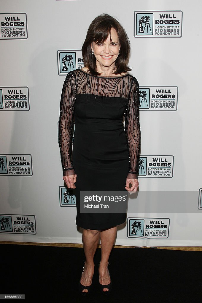 <a gi-track='captionPersonalityLinkClicked' href=/galleries/search?phrase=Sally+Field&family=editorial&specificpeople=206350 ng-click='$event.stopPropagation()'>Sally Field</a> arrives at CinemaCon 2013 'Pioneer of the Year' Awards honoring Kathleen Kennedy held at Caesars Palace on April 17, 2013 in Las Vegas, Nevada.