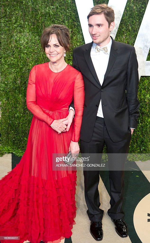 Sally Fields (L) arrives for the 2013 Vanity Fair Oscar Party on February 24, 2013 in Hollywood, California.