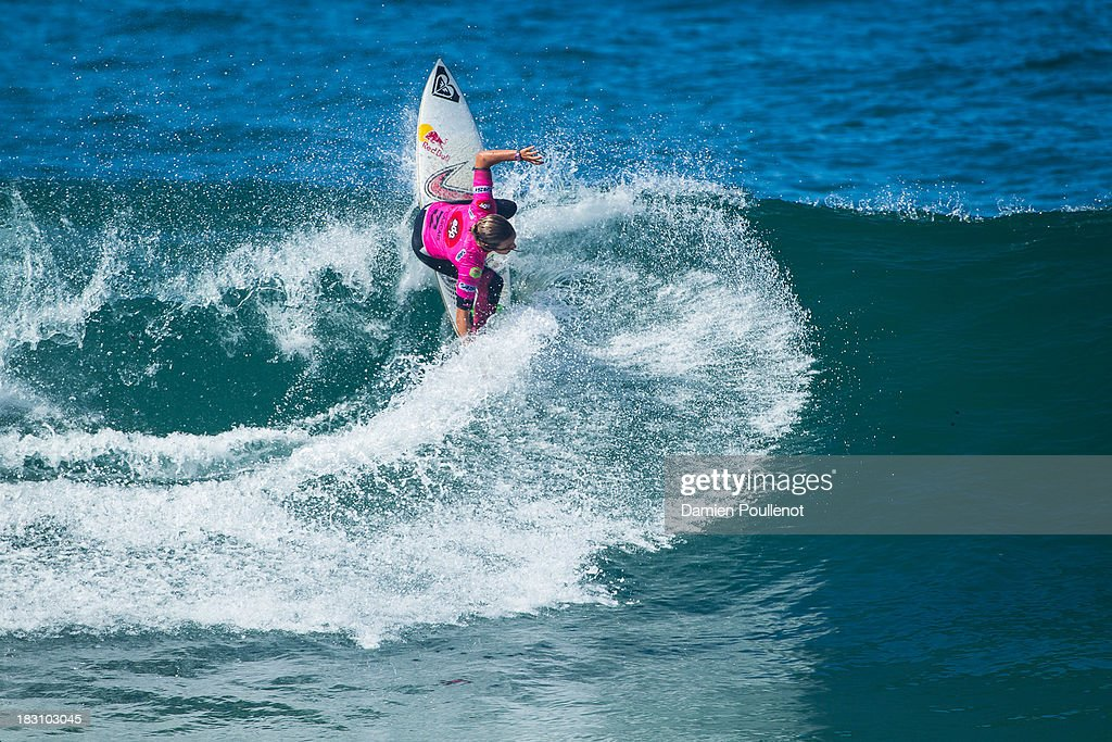 <a gi-track='captionPersonalityLinkClicked' href=/galleries/search?phrase=Sally+Fitzgibbons&family=editorial&specificpeople=4113410 ng-click='$event.stopPropagation()'>Sally Fitzgibbons</a> of Australia wins her heat of Round 3 of the EDP Girls Pro on October 4, 2013 in Cascais, Portugal.