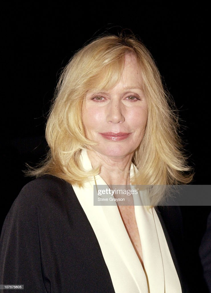 <a gi-track='captionPersonalityLinkClicked' href=/galleries/search?phrase=Sally+Kellerman&family=editorial&specificpeople=207185 ng-click='$event.stopPropagation()'>Sally Kellerman</a> poses for photographers at The Los Angeles premiere of Gosford Park at the Academy of Motion Pictures Arts & Sciences in Beverly Hills, California.