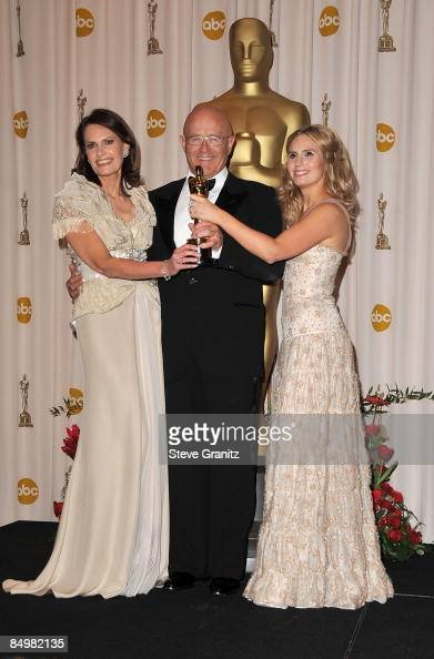 Sally Ledger Kim Ledger and Kate Ledger pose in the 81st Annual Academy Awards press room held at The Kodak Theatre on February 22 2009 in Hollywood...