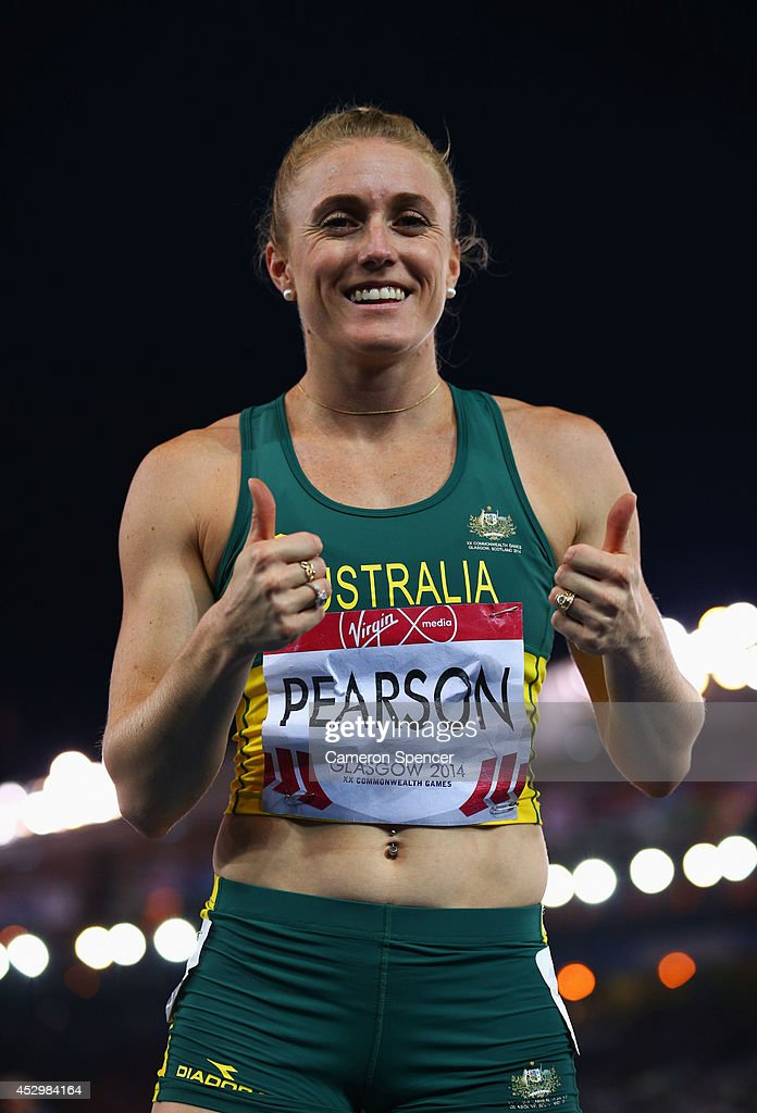<a gi-track='captionPersonalityLinkClicked' href=/galleries/search?phrase=Sally+Pearson&family=editorial&specificpeople=200724 ng-click='$event.stopPropagation()'>Sally Pearson</a> of Australia gives the thumbs up after the Women's 100 metres hurdles heats at Hampden Park during day eight of the Glasgow 2014 Commonwealth Games on July 31, 2014 in Glasgow, United Kingdom.