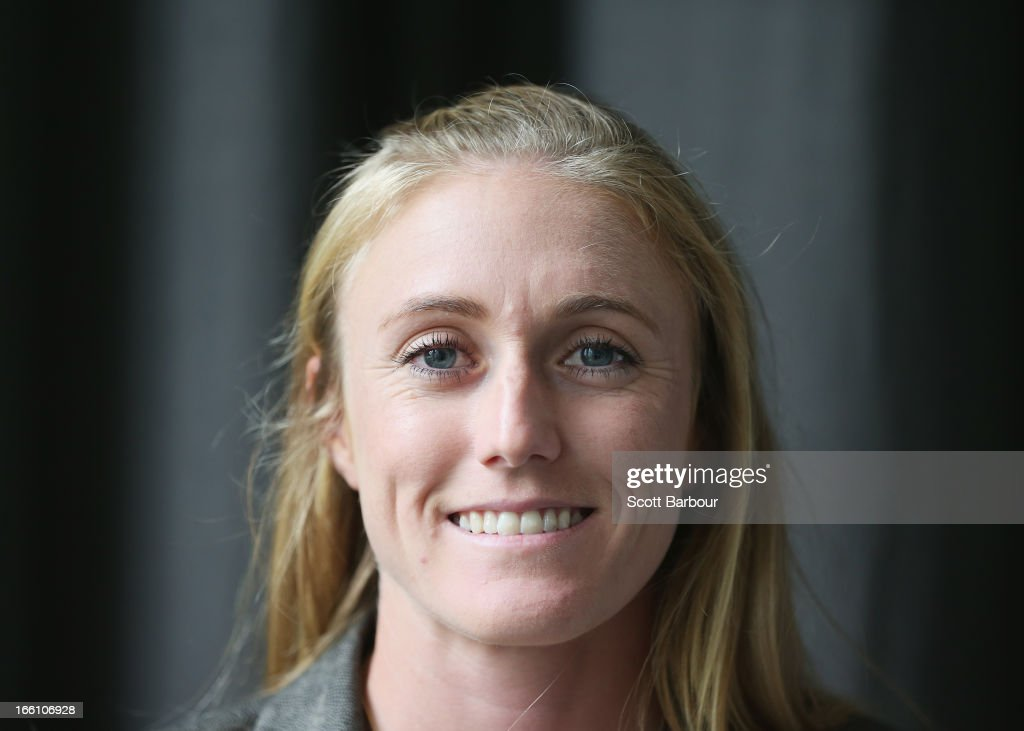 <a gi-track='captionPersonalityLinkClicked' href=/galleries/search?phrase=Sally+Pearson&family=editorial&specificpeople=200724 ng-click='$event.stopPropagation()'>Sally Pearson</a> of Australia poses during the John Landy Lunch on April 5, 2013 in Melbourne, Australia.