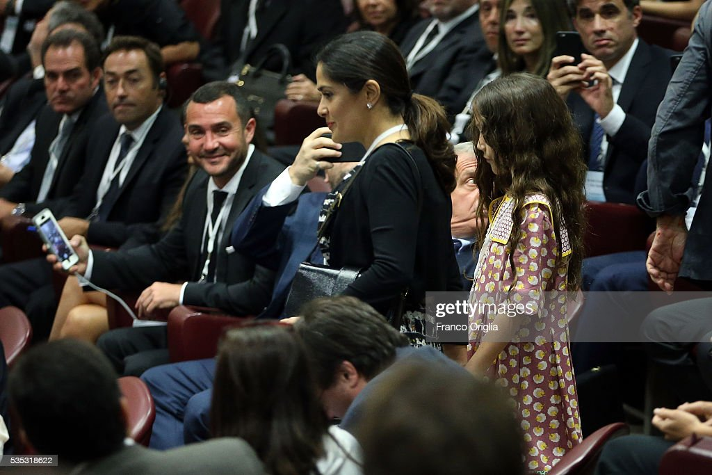 <a gi-track='captionPersonalityLinkClicked' href=/galleries/search?phrase=Salma+Hayek&family=editorial&specificpeople=201844 ng-click='$event.stopPropagation()'>Salma Hayek</a> and <a gi-track='captionPersonalityLinkClicked' href=/galleries/search?phrase=Valentina+Paloma+Pinault&family=editorial&specificpeople=5557938 ng-click='$event.stopPropagation()'>Valentina Paloma Pinault</a> attend 'Un Muro o Un Ponte' Seminary held by Pope Francis at the Paul VI Hall on May 29, 2016 in Vatican City, Vatican.