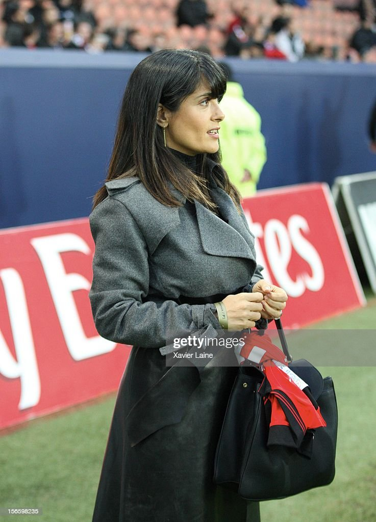 <a gi-track='captionPersonalityLinkClicked' href=/galleries/search?phrase=Salma+Hayek&family=editorial&specificpeople=201844 ng-click='$event.stopPropagation()'>Salma Hayek</a> attends the French Ligue 1 between Paris Saint-Germain FC and Stade Rennais FC, at Parc des Princes on November 17, 2012 in Paris, France.