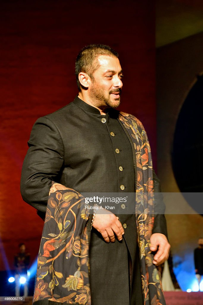 "Salman Khan Walks For FDCI's ""Huts to High Street"""