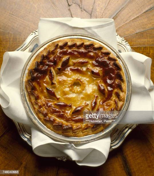 Salmon and mushroom pie