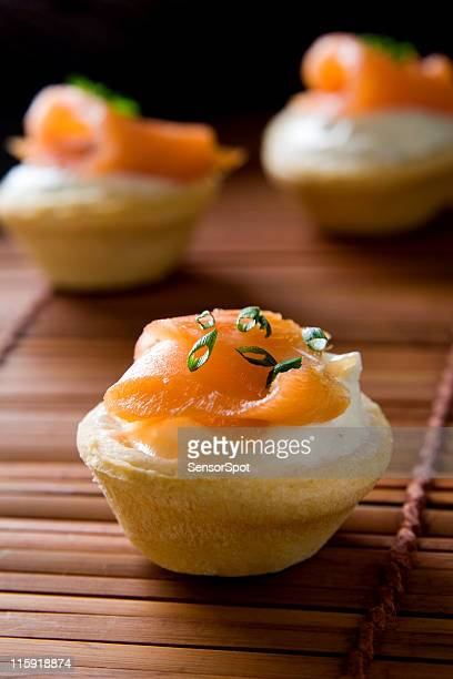 Cream cracker photos et images de collection getty images for Canape au saumon