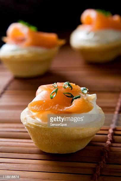 Cream cracker photos et images de collection getty images for Canape au saumon