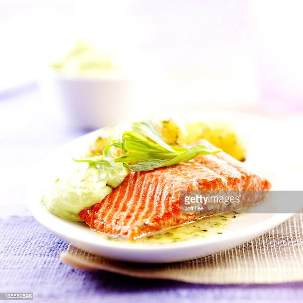 Salmon fillet with tarragon sauce
