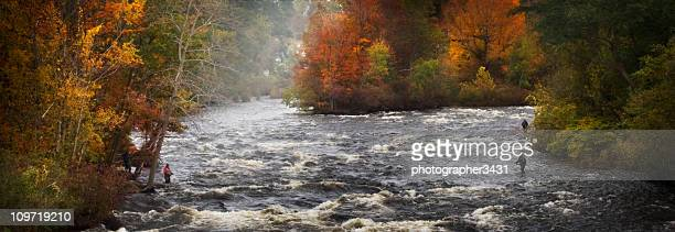 Salmon river New York im Herbst