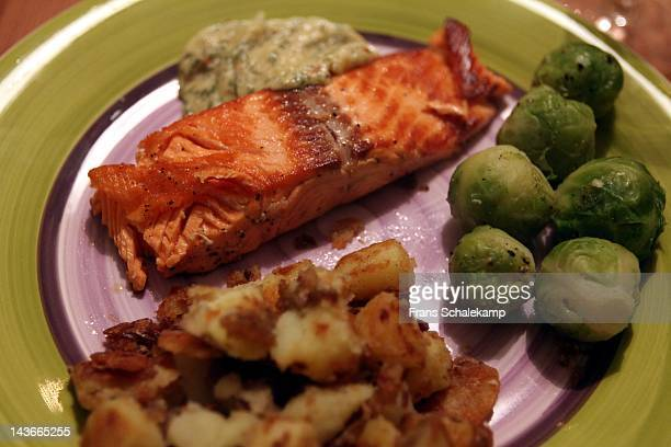Salmon with sprouts and potatoes