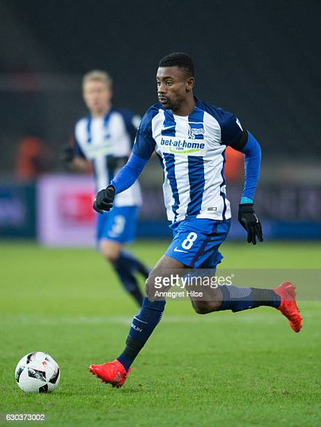 Salomon Kalou of Berlin runs with the ball during the Bundesliga match between Hertha BSC and SV Darmstadt 98 at Olympiastadion on December 21 2016...