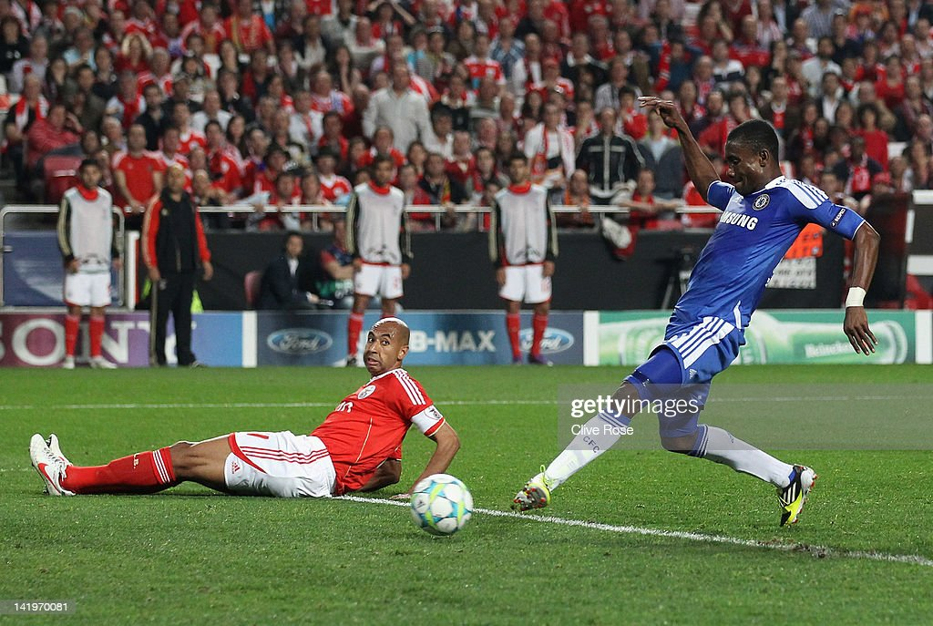<a gi-track='captionPersonalityLinkClicked' href=/galleries/search?phrase=Salomon+Kalou&family=editorial&specificpeople=453312 ng-click='$event.stopPropagation()'>Salomon Kalou</a> of Chelsea scores during the UEFA Champions League Quarter Final first leg match between Benfica and Chelsea at Estadio da Luz on March 27, 2012 in Lisbon, Portugal.