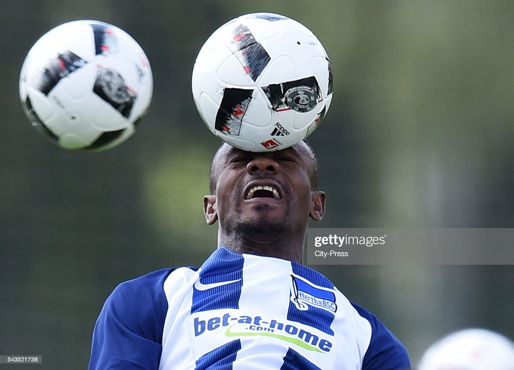 <a gi-track='captionPersonalityLinkClicked' href=/galleries/search?phrase=Salomon+Kalou&family=editorial&specificpeople=453312 ng-click='$event.stopPropagation()'>Salomon Kalou</a> of Hertha BSC during the training on june 29, 2016 in Berlin, Germany.