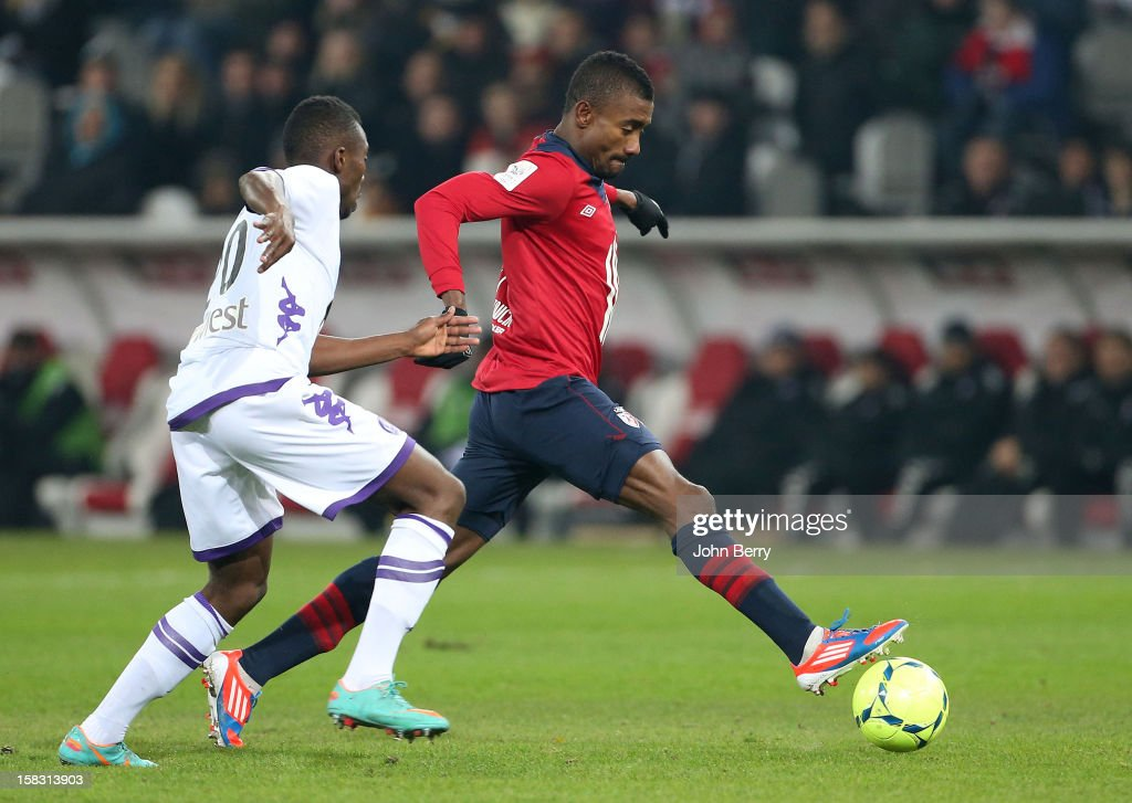 <a gi-track='captionPersonalityLinkClicked' href=/galleries/search?phrase=Salomon+Kalou&family=editorial&specificpeople=453312 ng-click='$event.stopPropagation()'>Salomon Kalou</a> of LOSC in action during the French Ligue 1 match between Lille OSC and Toulouse FC at the Grand Stade Lille Metropole on December 11, 2012 in Lille, France.