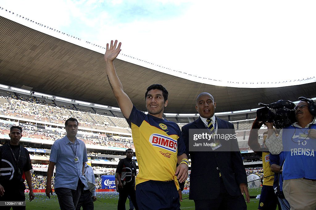 Salvador Cabanas of America during friendly game in homage to Salvador Cabanas at Azteca Stadium on August 10, 2011 in Mexico City, Mexico.