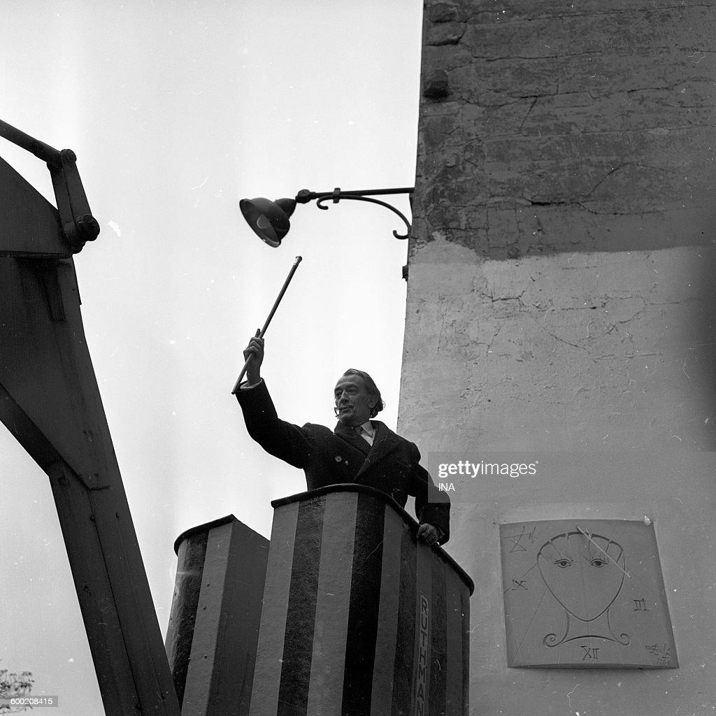 Resultado de imagen de sundial Paris salvador dali