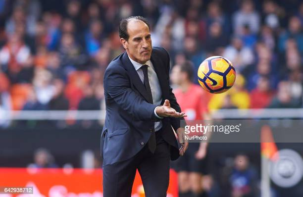 Salvador Gonzalez Voro head coach of Valencia CF during their La Liga match between Valencia CF and Athletic Club de Bilbao at the Estadio de...
