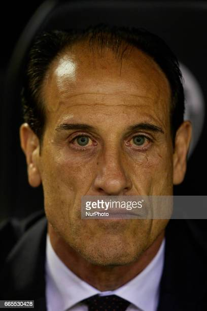 Salvador Gonzalez 'Voro' head coach of Valencia CF looks on prior to the La Liga match between Valencia CF and Real Club Celta de Vigo at Mestalla...