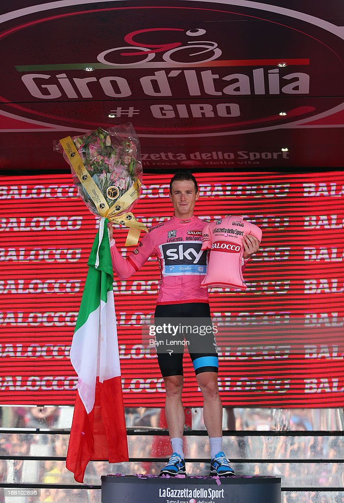 <a gi-track='captionPersonalityLinkClicked' href=/galleries/search?phrase=Salvatore+Puccio&family=editorial&specificpeople=8769900 ng-click='$event.stopPropagation()'>Salvatore Puccio</a> of Italy and SKY Procycling celebrates taking the Maglia Rosa after his team won stage two of the Giro d'Italia 2013, a Team Time Trial from Ischia to Forio, on May 5, 2013 in Forio, Italy.