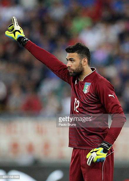 Salvatore Sirigu of Italy in action during the international friendly match between Italy and Netherlands at Stadio San Nicola on September 4 2014 in...