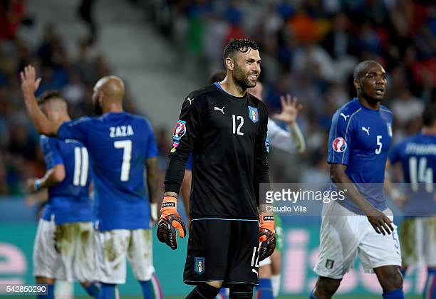 Salvatore Sirigu of Italy reacts during the UEFA EURO 2016 Group E match between Italy and Republic of Ireland at Stade PierreMauroy on June 22 2016...
