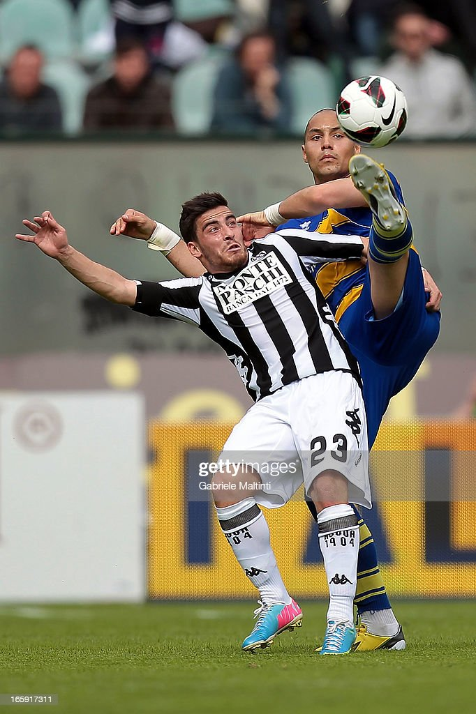 Salvavador Jose' Agra of AC Siena fights for the ball with Yohan Benalouane of Parma FC during the Serie A match between AC Siena and Parma FC at Stadio Artemio Franchi on April 7, 2013 in Siena, Italy.