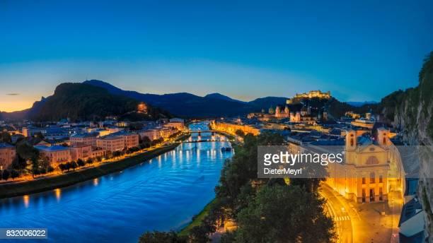 Salzburg bei Sonnenaufgang, Salzburger Land, Österreich