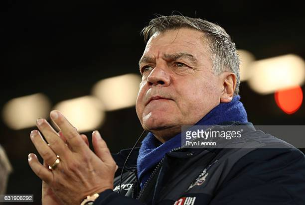 Sam Allardyce Manager of Crystal Palace Jeffrey Schlupp of Crystal Palace looks on during the Emirates FA Cup third round replay between Crystal...