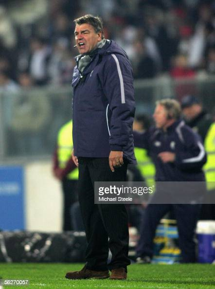 Sam Allardyce the Bolton manager barks instructions during the UEFA Cup Group H match between Guimaraes and Bolton Wanderers at the Dom Afonso...