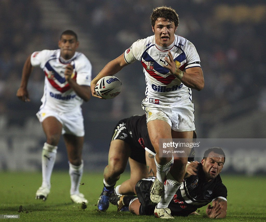 Sam Burgess of Great Britain makes an attack during the Gillette Fusion Test Series round two match between Great Britain and New Zealand at The KC Stadium on November 3, 2007 in Hull, England.