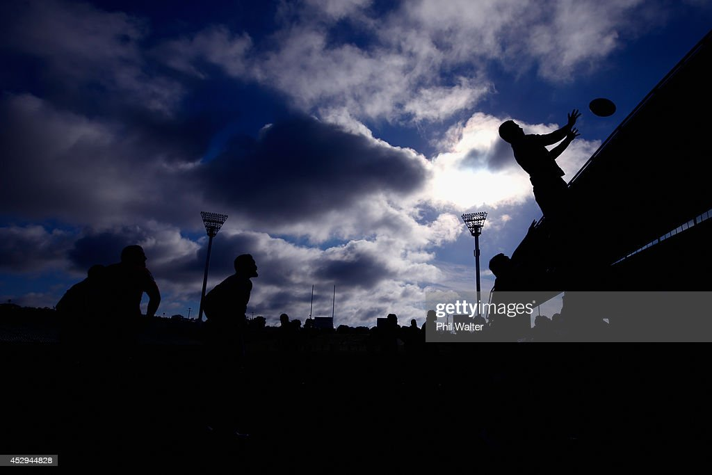 <a gi-track='captionPersonalityLinkClicked' href=/galleries/search?phrase=Sam+Cane&family=editorial&specificpeople=7799288 ng-click='$event.stopPropagation()'>Sam Cane</a> of the All Blacks takes the ball in the lineout during a New Zealand All Blacks training session at North Harbour Stadium on July 31, 2014 in Auckland, New Zealand.