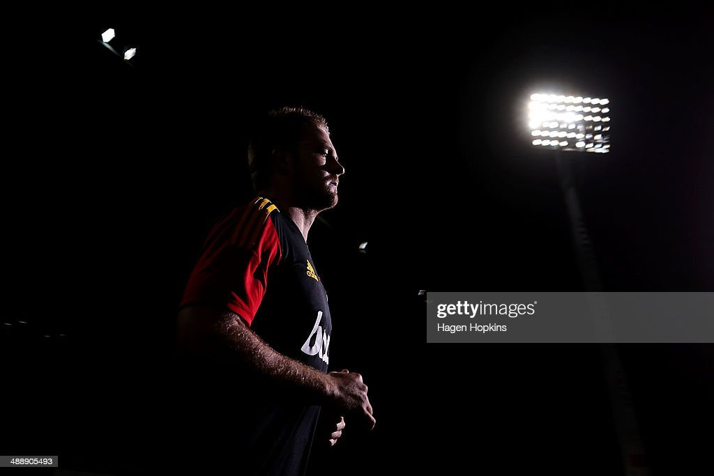 <a gi-track='captionPersonalityLinkClicked' href=/galleries/search?phrase=Sam+Cane&family=editorial&specificpeople=7799288 ng-click='$event.stopPropagation()'>Sam Cane</a> of the Chiefs takes the field to warm up during the round 13 Super Rugby match between the Chiefs and the Blues at Yarrow Stadium on May 9, 2014 in New Plymouth, New Zealand.