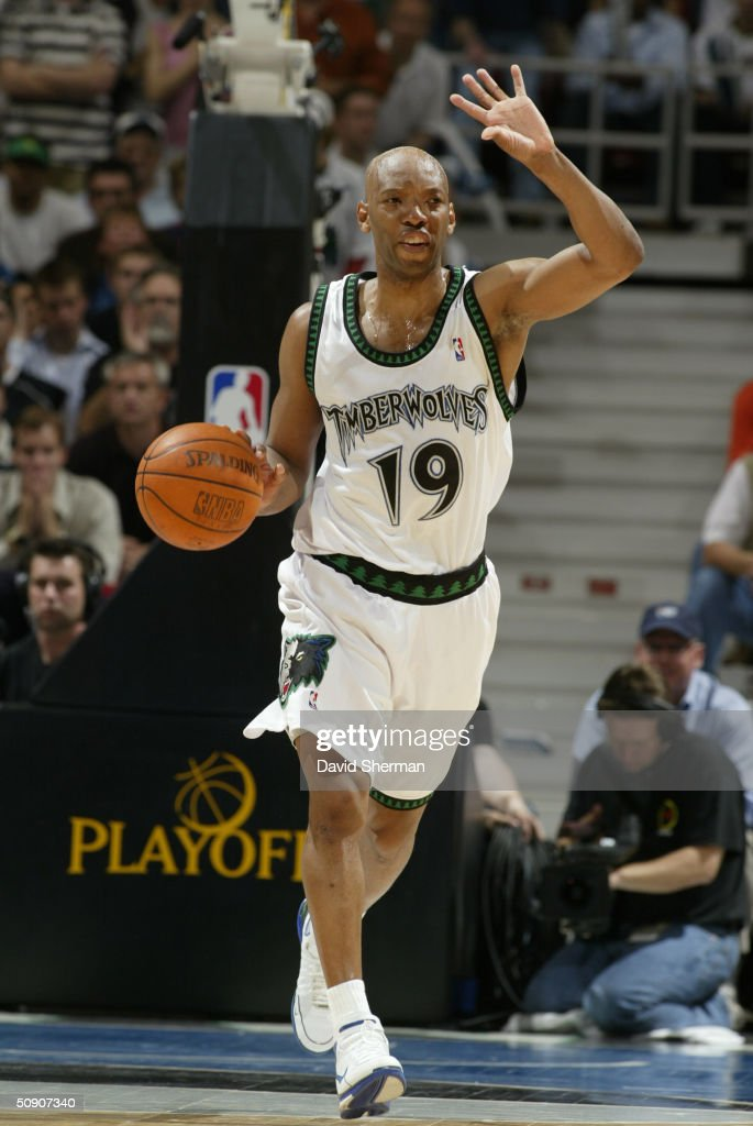 Sam Cassell #19 of the Minnesota Timberwolves advances the ball against the Sacramento Kings in Game Seven of the Western Conference Semifinals during the 2004 NBA Playoffs at Target Center on May 19, 2004 in Minneapolis, Minnesota. The Timberwolves won 83-80.