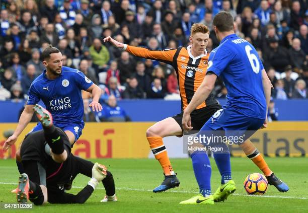 Sam Clucas of Hull City scores his sides first goal past Kasper Schmeichel of Leicester City during the Premier League match between Leicester City...