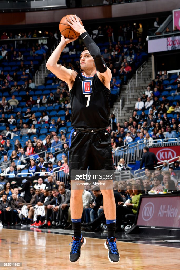 Sam Dekker #7 of the LA Clippers shoots the ball against the Orlando Magic on December 13, 2017 at Amway Center in Orlando, Florida.