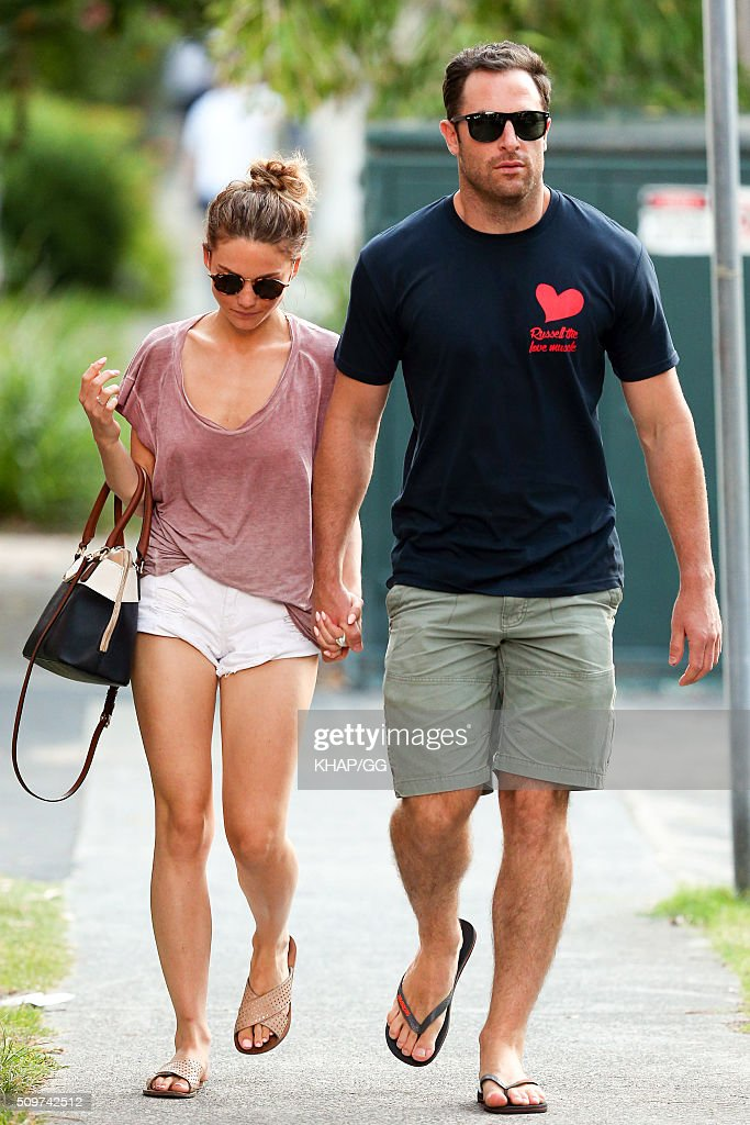 <a gi-track='captionPersonalityLinkClicked' href=/galleries/search?phrase=Sam+Frost+-+Reality+TV+Star&family=editorial&specificpeople=15103431 ng-click='$event.stopPropagation()'>Sam Frost</a> and boyfriend Sasha Mielczarek enjoy a stroll on February 12, 2016 in Sydney, Australia.