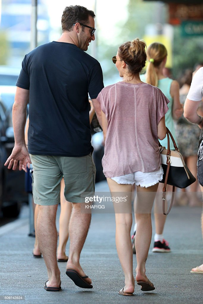 Sam Frost and boyfriend Sasha Mielczarek enjoy a stroll on February 12, 2016 in Sydney, Australia.