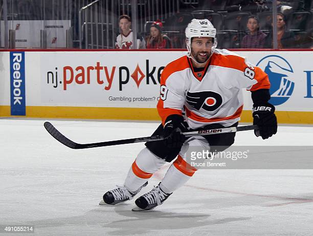 Sam Gagner of the Philadelphia Flyers skates against the New Jersey Devils at the Prudential Center on October 2 2015 in Newark New Jersey The Devils...