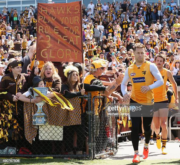Sam Mitchell of the Hawks runs out during a Hawthorn Hawks AFL training session at Waverley Park on October 1 2015 in Melbourne Australia