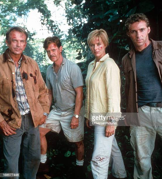 Sam Neill William H Macy Tea Leoni and Alessandro Nivola on set of the film 'Jurassic Park III' 2001