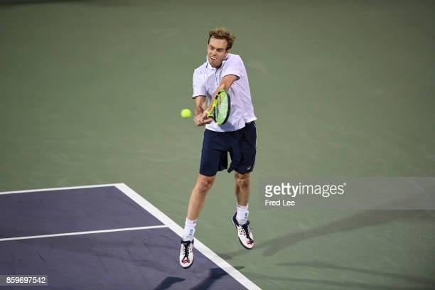 Sam Querrey of the United States returns a shot against during the Men's singles mach against Yuichi Sugita of Japan on day 3 of Shanghai Rolex...