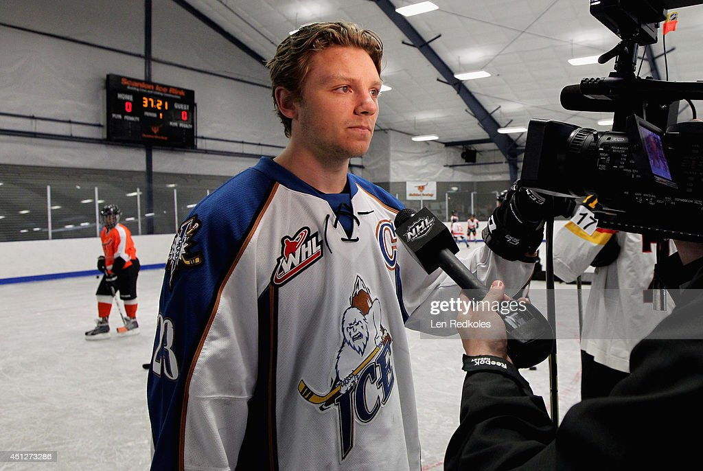 <a gi-track='captionPersonalityLinkClicked' href=/galleries/search?phrase=Sam+Reinhart&family=editorial&specificpeople=9984450 ng-click='$event.stopPropagation()'>Sam Reinhart</a> is interviewed during the Top Prospect Clinic as part of the 2014 NHL Entry Draft at Scanlon Rink on June 26, 2014 in Philadelphia, Pennsylvania.