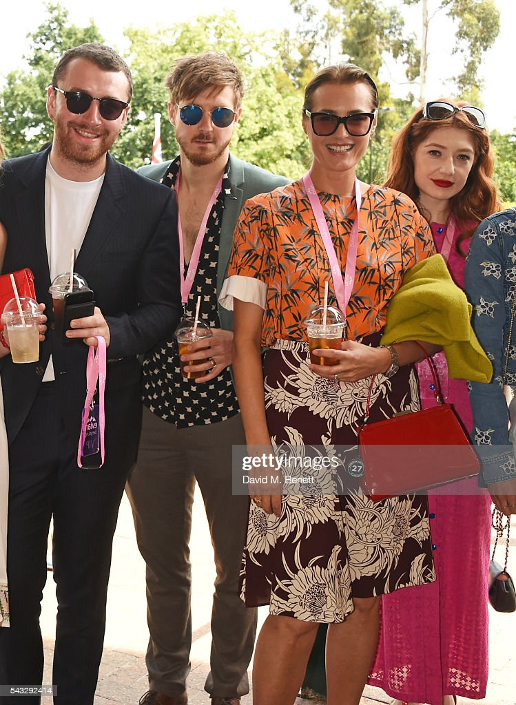 Sam Smith, <a gi-track='captionPersonalityLinkClicked' href=/galleries/search?phrase=Arthur+Darvill&family=editorial&specificpeople=7643112 ng-click='$event.stopPropagation()'>Arthur Darvill</a>, <a gi-track='captionPersonalityLinkClicked' href=/galleries/search?phrase=Yasmin+Le+Bon&family=editorial&specificpeople=161272 ng-click='$event.stopPropagation()'>Yasmin Le Bon</a> and <a gi-track='captionPersonalityLinkClicked' href=/galleries/search?phrase=Nicola+Roberts&family=editorial&specificpeople=203306 ng-click='$event.stopPropagation()'>Nicola Roberts</a> attend the evian Live Young suite during Wimbledon 2016 at the All England Tennis and Croquet Club on June 27, 2016 in London, England.