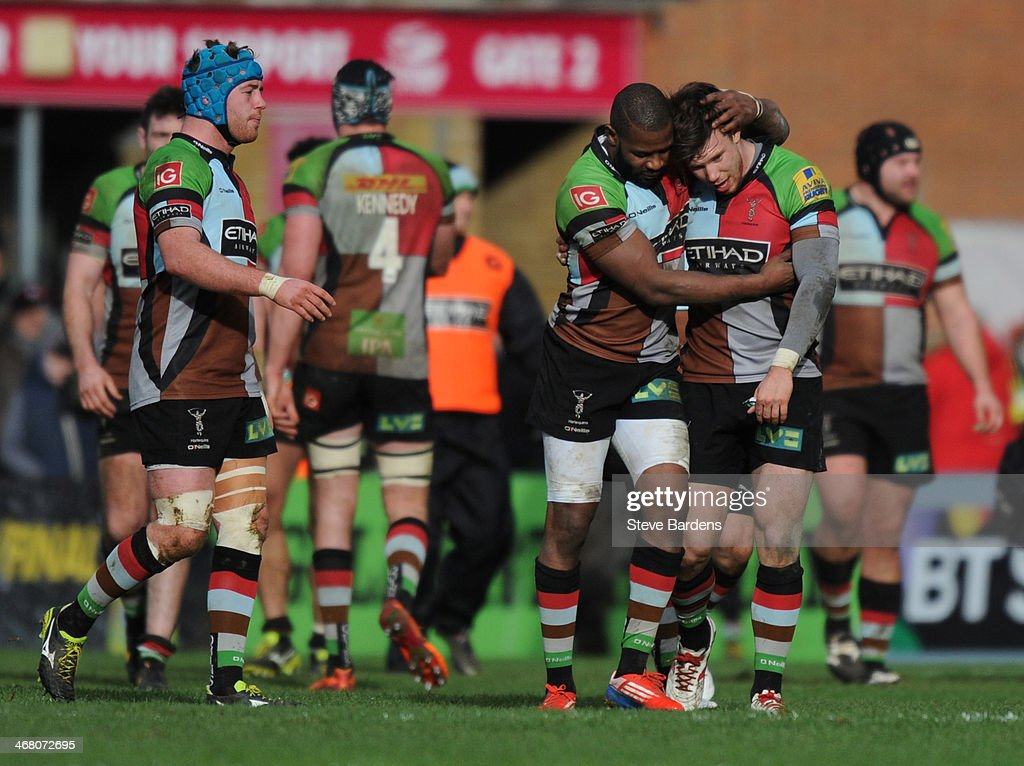 Sam Smith of Harlequins celebrates his late winning try with <a gi-track='captionPersonalityLinkClicked' href=/galleries/search?phrase=Ugo+Monye&family=editorial&specificpeople=221264 ng-click='$event.stopPropagation()'>Ugo Monye</a> during the Aviva Premiership match between Harlequins and London Wasps at Twickenham Stoop on February 9, 2014 in London, England.