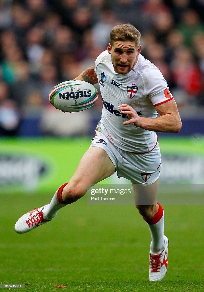 Sam Tomkins of England in action during the Rugby League World Cup Group A match at the KC Stadium on November 9, 2013 in Hull, England.