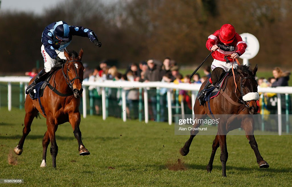 <a gi-track='captionPersonalityLinkClicked' href=/galleries/search?phrase=Sam+Twiston-Davies&family=editorial&specificpeople=6519612 ng-click='$event.stopPropagation()'>Sam Twiston-Davies</a> riding Baoulet Delaroque (R) clear the last to win The 32Red Handicap Hurdle Race at Huntingdon racecourse on February 11, 2016 in Huntingdon, England.