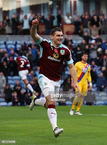 Sam Vokes of Burnley celebrates scoring his sides first goal during the Premier League match between Burnley and Crystal Palace at Turf Moor on...