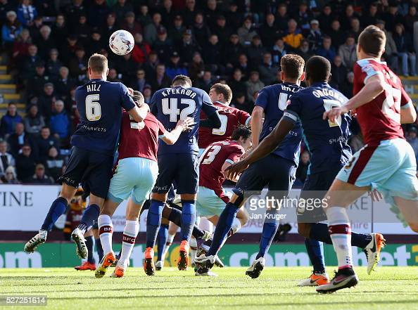 Sam Vokes of Burnley scores their first goal during the Sky Bet Championship match between Burnley and Queens Park Rangers at Turf Moor on May 2 2016...